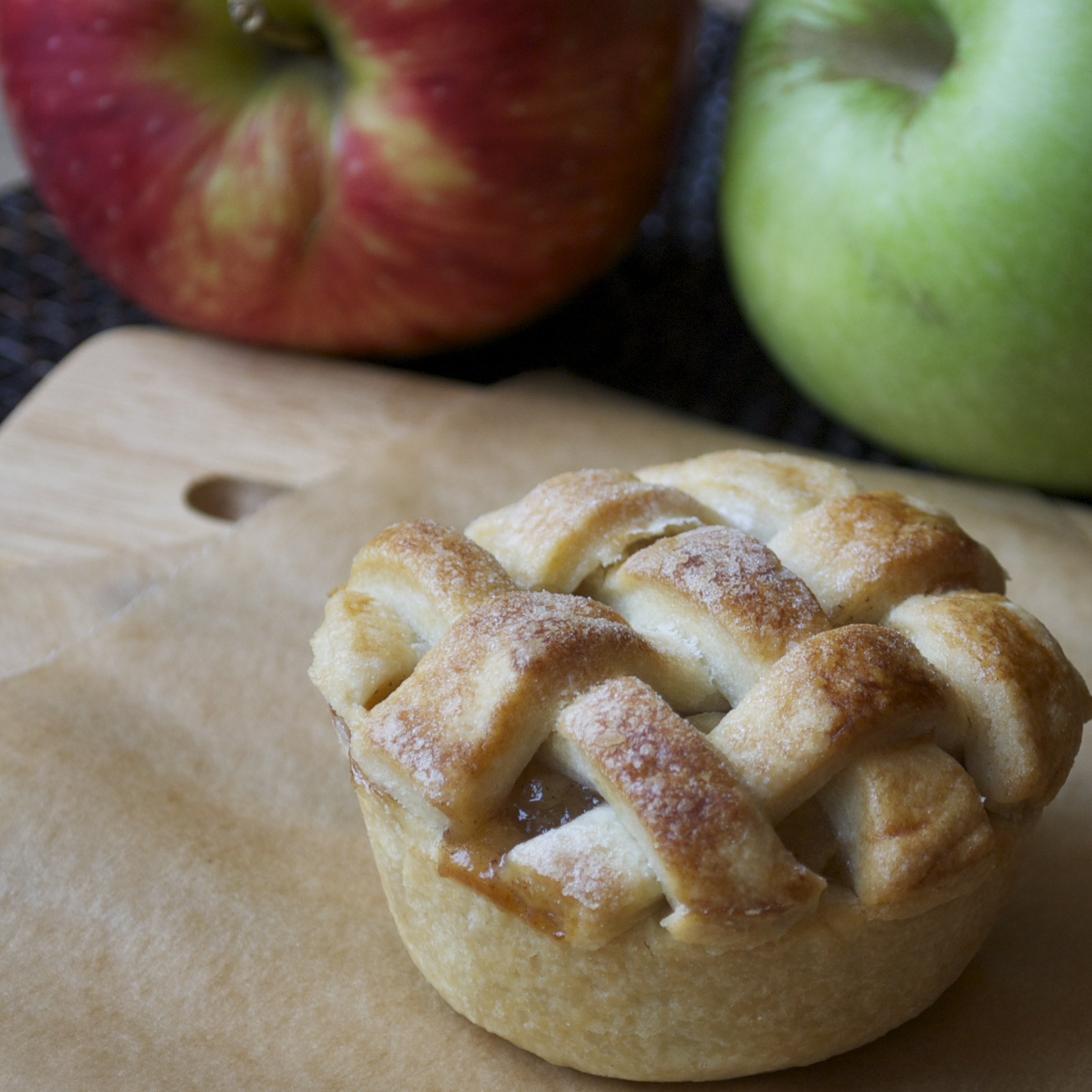 Marie Callender's Small Apple Pie combines apples, cinnamon, and sugar, all wrapped Products: Pot Pies, Bowls, Delights, Dinners, Large Desserts and more.