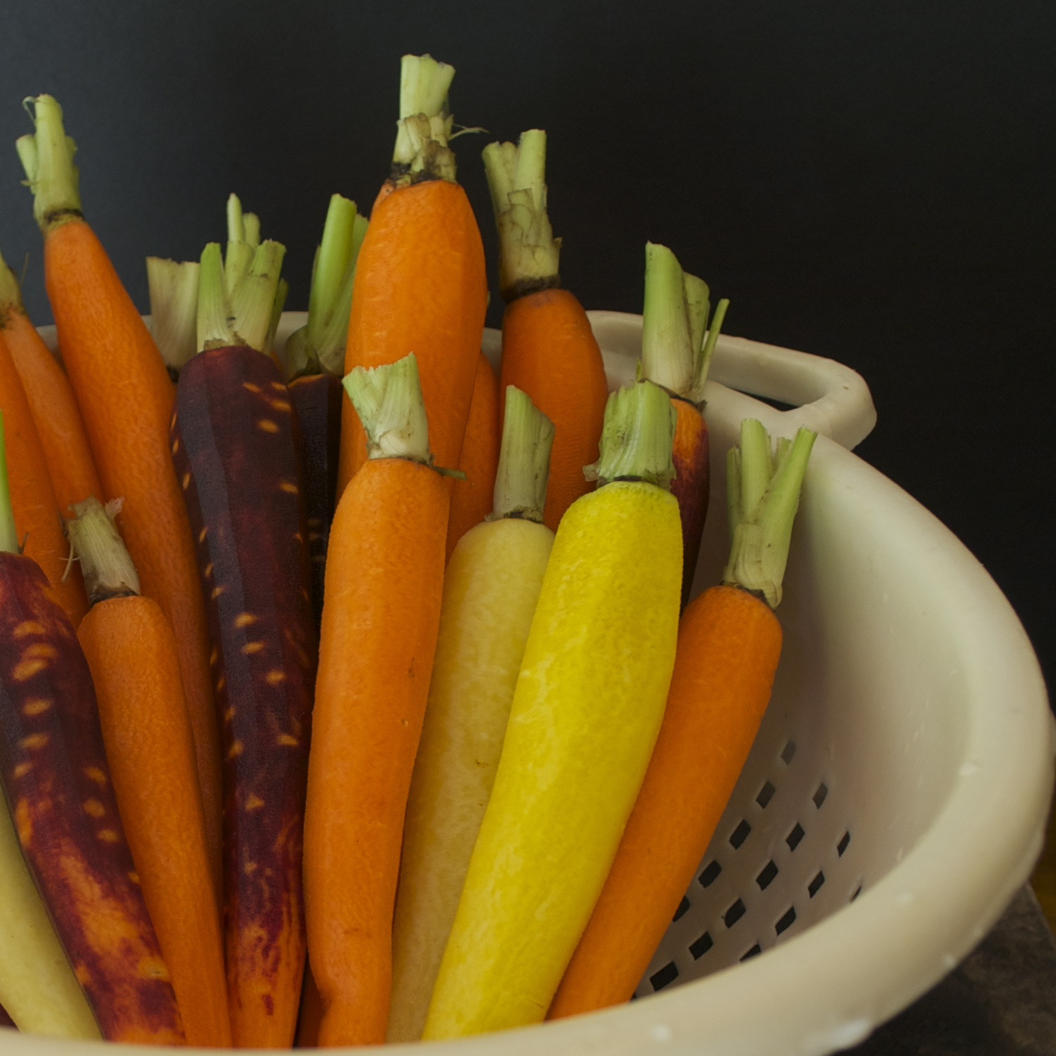 Thyme And Honey Roasted Carrots Recipe — Dishmaps